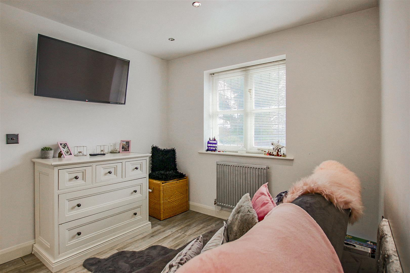 4 Bedroom Detached House For Sale - redwing31773.JPG